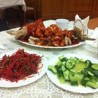 Снимок сделан в Лу Сюнь / 路讯餐厅 пользователем Elena B. 3/10/2013