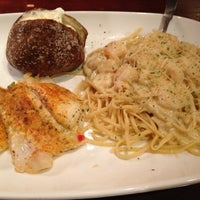Photo taken at Red Lobster by Derek R. on 11/24/2012