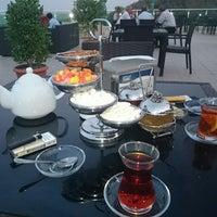 Photo taken at Çenlibel Restorani by Javid M. on 9/3/2014