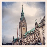 Photo taken at Hamburger Rathaus by Hendrik L. on 4/17/2013
