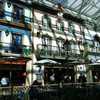 Foto tirada no(a) Via Catarina Shopping por Engin C. em 10/28/2012