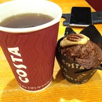 Photo taken at Costa Coffee by Helene on 4/17/2015