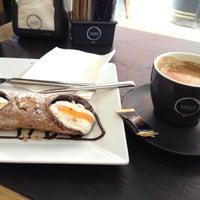 Photo prise au Caffè Vergnano 1882 par Helene le4/22/2015