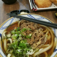 Photo taken at Marugame Udon by Genta Ardhya P. on 4/7/2017