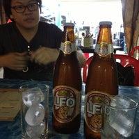 Photo taken at ลาบลุงพล by Ivyz P. on 12/6/2012