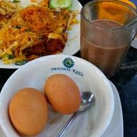 Photo taken at Restoran Original Penang Kayu Nasi Kandar by Sylvia L. on 7/23/2014
