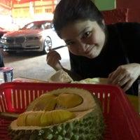 """8/18/2018에 Huiyi C.님이 """"Combat"""" Top Quality Durian에서 찍은 사진"""