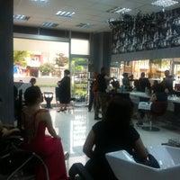 Photo taken at In Love Kuaför Ve Güzellik Salonu by 🎗BİRCAN ÖZTÜRK🎗💇🏼 on 5/3/2014