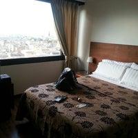 Foto scattata a Hotel San Francisco da Dave V. il 4/5/2014