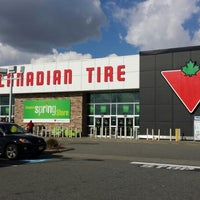 Photo taken at Canadian Tire by Bradley Y. on 3/21/2014
