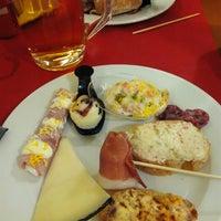 Foto tomada en Restaurante LAS PALOMAS Buffet&Tapas por André G. el 4/1/2016