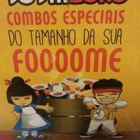 Photo taken at Sushi loko by Desirrê R. on 6/6/2014