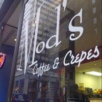 Foto tomada en Mod's Coffee & Crepes por Don H. el 12/8/2012