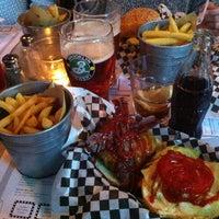Foto scattata a Tizzy's NY Bar & Grill da Annaclara M. il 5/17/2013