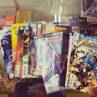 Photo taken at 8th Street Books & Comics by Jonathan T. on 8/12/2016
