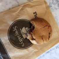 Снимок сделан в Specialty's Café & Bakery пользователем Maddy C. 10/2/2014