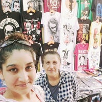 Photo taken at parazit Tshirt by Damla Y. on 6/22/2016