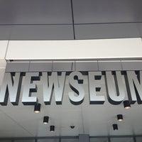 3/16/2013 tarihinde Danielle B.ziyaretçi tarafından Newseum'de çekilen fotoğraf