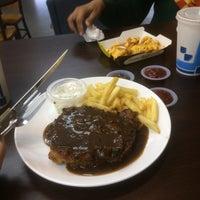 Photo taken at Ramly Burger Bentong by Ain J. on 3/18/2017
