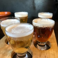 3/10/2018 tarihinde Hidetaka H.ziyaretçi tarafından Yanaka Beer Hall'de çekilen fotoğraf