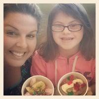 Photo taken at Green Apple Self Serve Frozen Yogurt by Lindsey N. on 10/3/2012