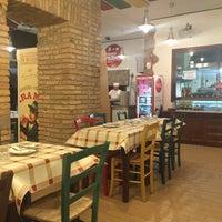 Foto scattata a Pizzeria Ostiense da Fleure M N. il 1/5/2016