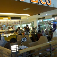 Photo taken at J.co DONUTS & COFFEE - BBC Transitzone by William T. on 11/25/2012