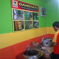 Photo taken at Bakso Kepala Sapi by Endang S. on 7/29/2013