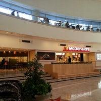Photo taken at McDonald's by Yoshihiko I. on 11/4/2012