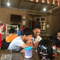 Photo taken at Kedai Roti Canai by KhairulAnwar S. on 9/30/2016