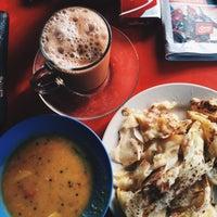 Photo taken at Kedai Roti Canai by KhairulAnwar S. on 10/6/2015