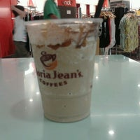 Photo taken at Gloria Jean's Coffees by Renee P. on 9/27/2012