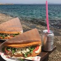 5/14/2016 tarihinde Sumina D.ziyaretçi tarafından Biz Bize Cafe'de çekilen fotoğraf