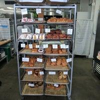 Foto tirada no(a) Neighbor Bakehouse por Kevin G. em 8/12/2017