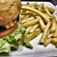 Foto tirada no(a) It's Grill Express por Flavio C. em 6/17/2013