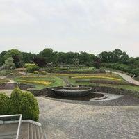 Photo taken at 東山動植物園 お花畑 by だし on 4/30/2018