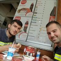 4/29/2016にORKUN K.がAltınzade Dönerで撮った写真