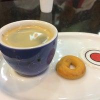 Foto tirada no(a) Café do Ponto por Paulo L. em 9/30/2014