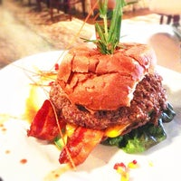 Photo taken at Hash House a Go Go - Orlando by Tjay F. on 4/23/2013
