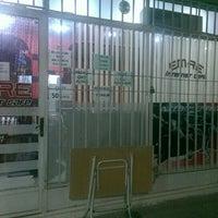 Photo taken at Emre İnternet Cafe by Batuhan Türkeş E. on 10/26/2015