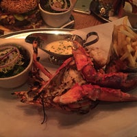 Photo taken at Burger & Lobster by Julieta F. on 11/14/2015