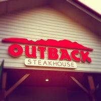 Foto tirada no(a) Outback Steakhouse por bruno c. em 9/28/2012