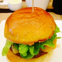 6/17/2014にManuelがBurger Republicで撮った写真