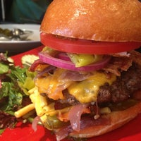 Photo taken at Napa Valley Burger by Danny C. on 8/4/2013