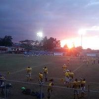 Photo taken at Estadio Municipal de Moravia Pipilo Umaña by Fabian G. on 3/1/2014