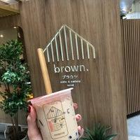 Foto scattata a Brown Café da Beam il 9/22/2018