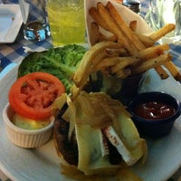 10/4/2012 tarihinde Angela H.ziyaretçi tarafından Le Cafe Ile St-Louis'de çekilen fotoğraf