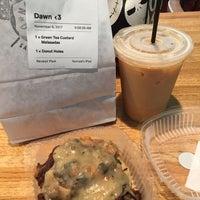 11/6/2017にDawn M.がNomad Donutsで撮った写真