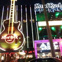 Das Foto wurde bei Hard Rock Cafe Las Vegas von Christian L. am 6/13/2013 aufgenommen