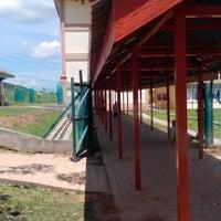 Photo taken at Sek Keb Darulaman Height, Taman Tunku Sarina, Jitra by Mat J. on 5/19/2014